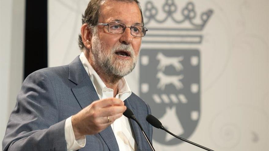 Rajoy pide sensatez para aislar a los radicales que condicionan al Govern