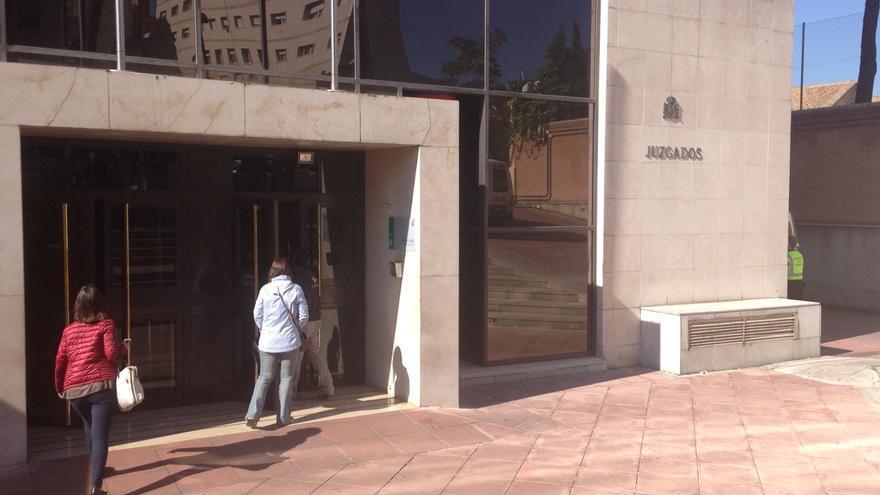 Condenada a tres años de prisión una madre por sustraer a su hijo y llevárselo a Francia