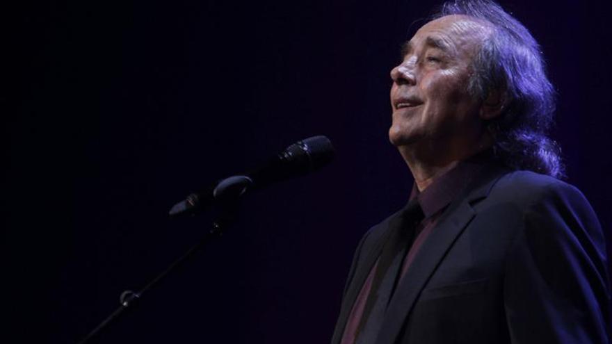 Serrat despierta emoción y recuerdos en Uruguay al celebrar 50 años cantando