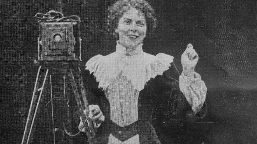 Cultura reivindica el papel de la mujer con una exposición fotográfica