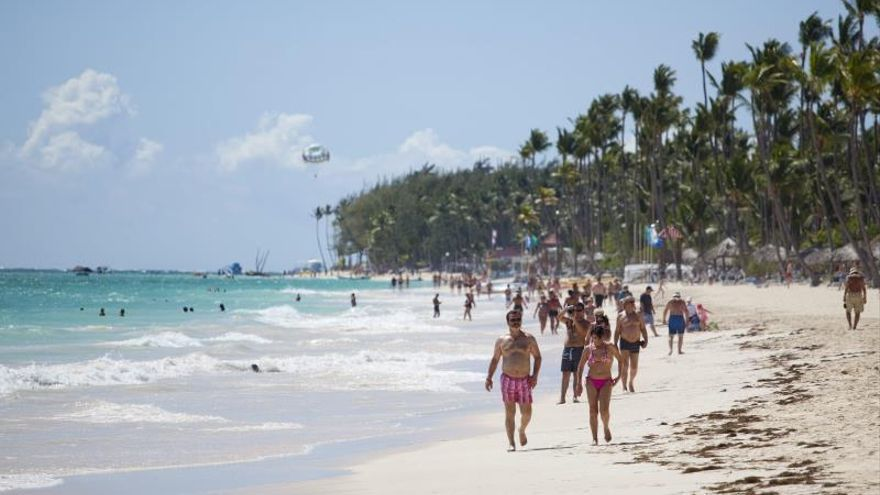 Cuatro turistas de Indonesia se ahogan en una playa de Punta Cana