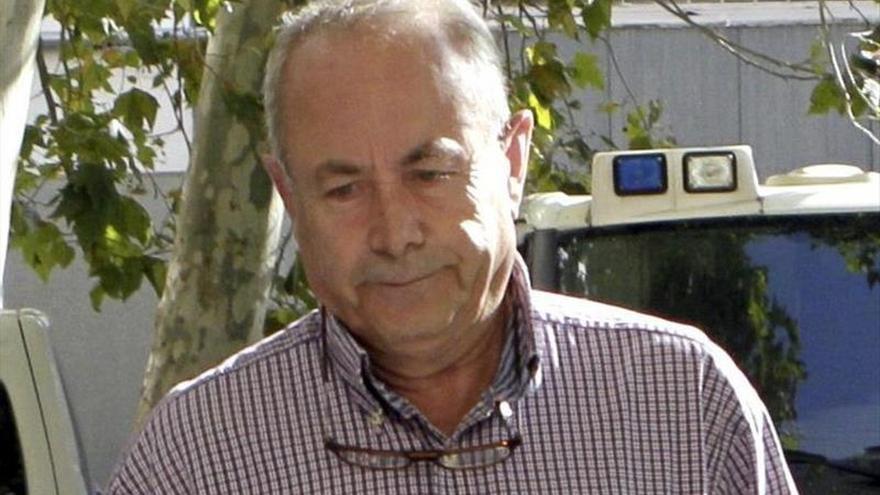 El juez Castro cita a Bárcenas a declarar como testigo el 11 de marzo