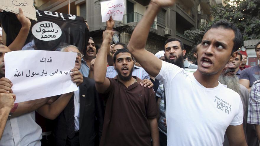 Al menos 13 heridos en los choques junto a la Embajada de EEUU en Egipto