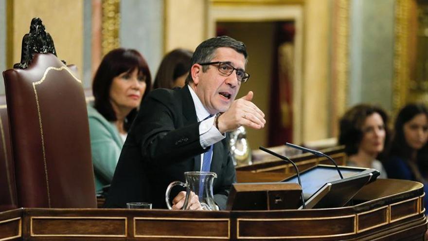 """Patxi López pide silencio porque los gritos """"ahogan la razón"""""""