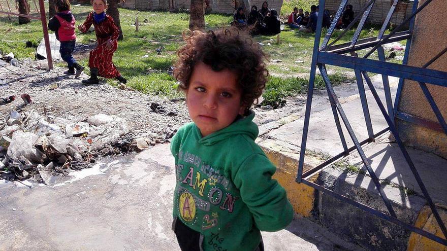 Un niño en el campamento de refugiados de Ain Issa.