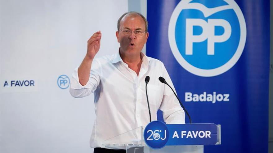 Monago optará a la reelección al frente del PP y augura un congreso tranquilo