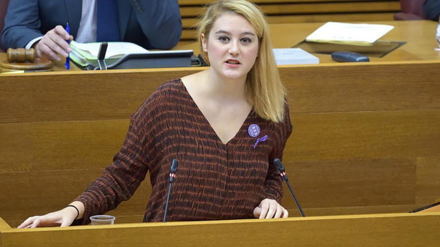 La diputada de Podemos Cristina Cabedo, en les Corts