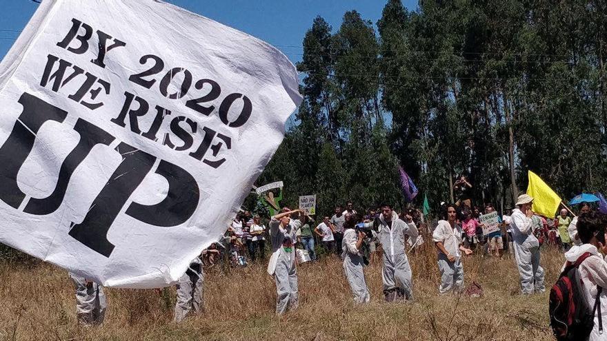 Acción directa noviolenta celebrada en julio de 2019 en el campamento climático Camp In Gas, contra los planes de perforación de la empresa Australis Oil&Gas