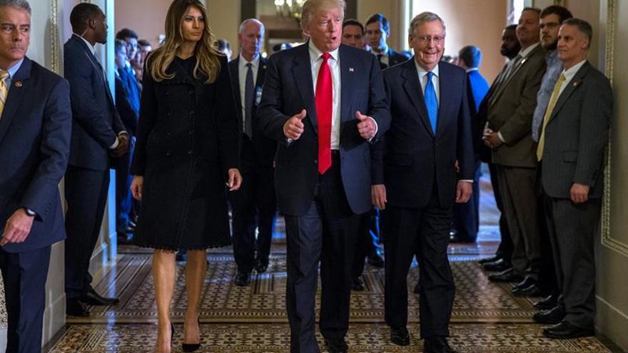"""Trump dice que el proceso de transición a la Casa Blanca está """"muy bien organizado"""""""