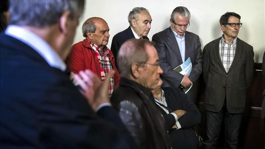Garzón pide los importes de las tarjetas opacas para las víctimas del franquismo
