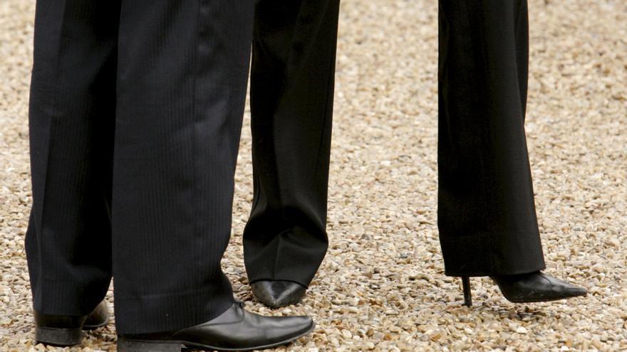 """""""Debía hacer turnos de nueve horas de pie. Dije que no podía hacer eso en tacones"""", cuenta Nicola Thorp."""