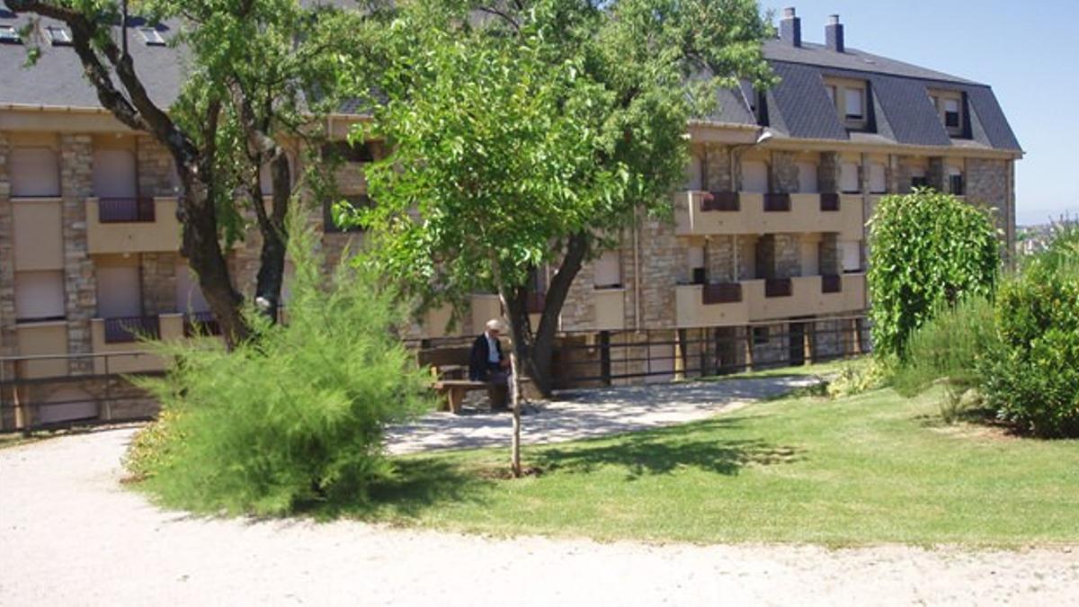 Imagen de la residencia leonesa en la que se ha declarado un brote.